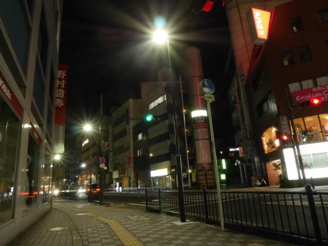 「一般府道 枚方茨木線歩道照明灯設置工事」が竣工いたしました。